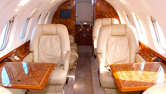 HAWKER 800XP Charter - Interior 1